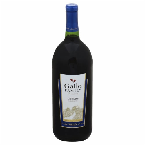 Gallo Family Vineyards Merlot Red Wine Perspective: front