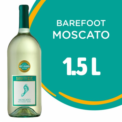Barefoot Moscato White Wine Perspective: front