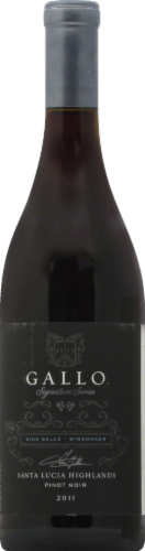 Gallo Family Vineyards Signature Series Pinot Noir Red Wine Perspective: front