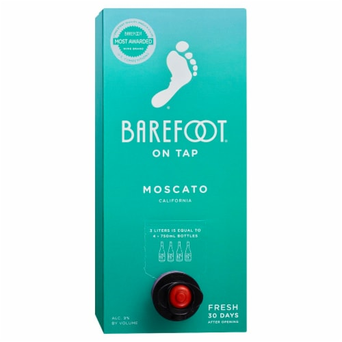 Barefoot On Tap Moscato White Wine Box Perspective: front