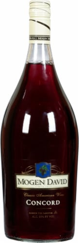Mogen David Red Concord Magnum Red Wine Perspective: front