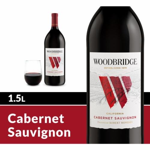 Woodbridge By Robert Mondavi Cabernet Sauvignon Red Wine Perspective: front