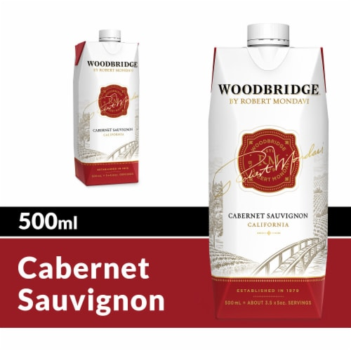 Woodbridge by Robert Mondavi Cabernet Sauvignon Go Pack Perspective: front