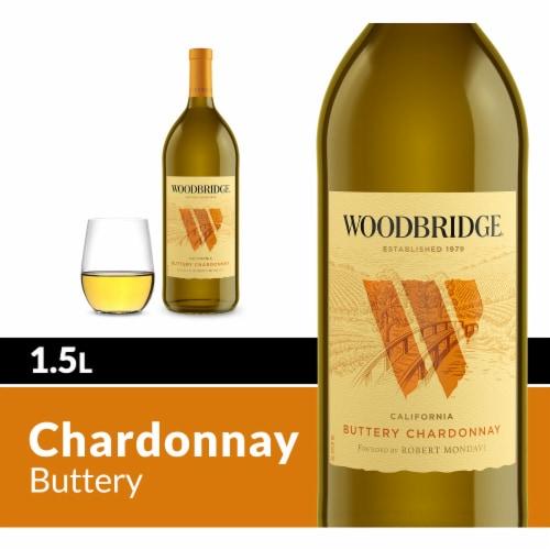 Woodbridge by Robert Mondavi Buttery Chardonnay White Wine Perspective: front