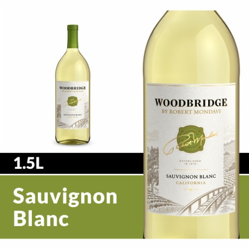 Woodbridge By Robert Mondavi Sauvignon Blanc White Wine Perspective: front
