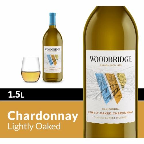 Woodbridge By Robert Mondavi Lightly Oaked Chardonnay White Wine Perspective: front