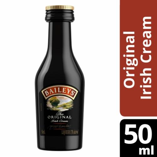 Baileys Original Irish Cream Liqueur Perspective: front