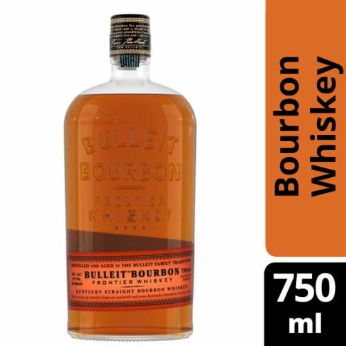 Bulleit Kentucky Straight Bourbon Whiskey Perspective: front