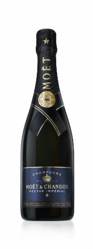 Moet & Chandon Nectar Imperial Champagne Perspective: front
