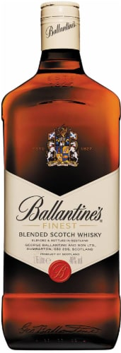 Ballantine's Finest Blended Scotch Whisky Perspective: front