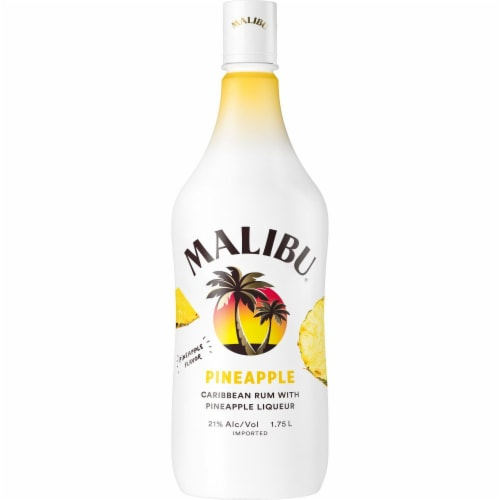 Malibu Caribbean Rum with Pineapple Liqueur Perspective: front