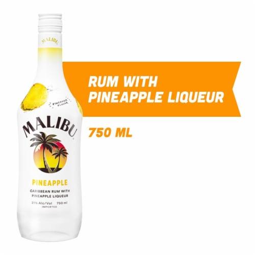 Malibu Pineapple Caribbean Rum Perspective: front