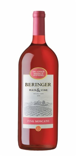 Beringer Pink Moscato Perspective: front