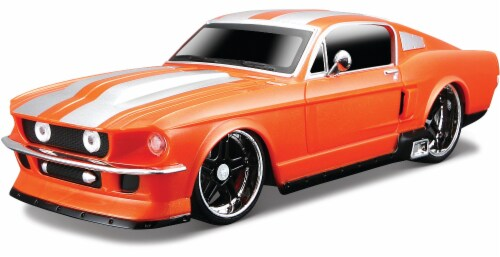 Maisto Remote Control 1:24 1967 Ford Mustang GT - Orange Perspective: front