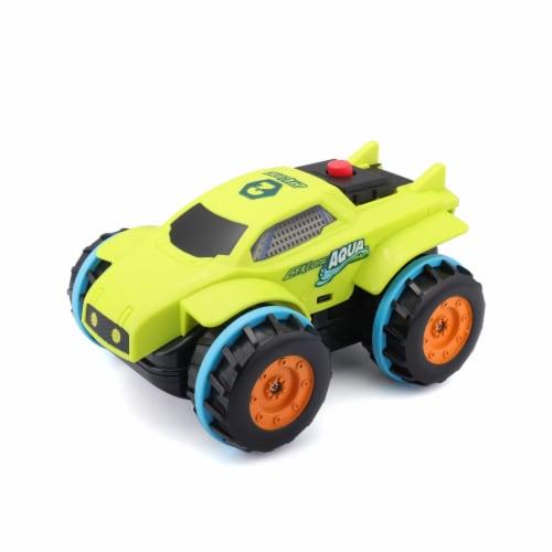 Maisto Cyklone Aqua Tread R/C Vehicle Perspective: front