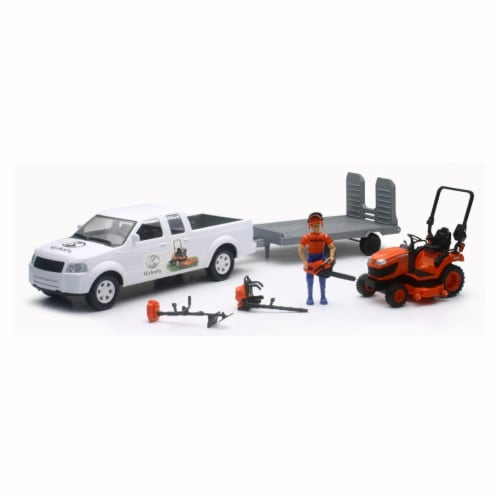 1:20 Pick Up And Trailer W/ Kubota Lawn Mower Set Perspective: front