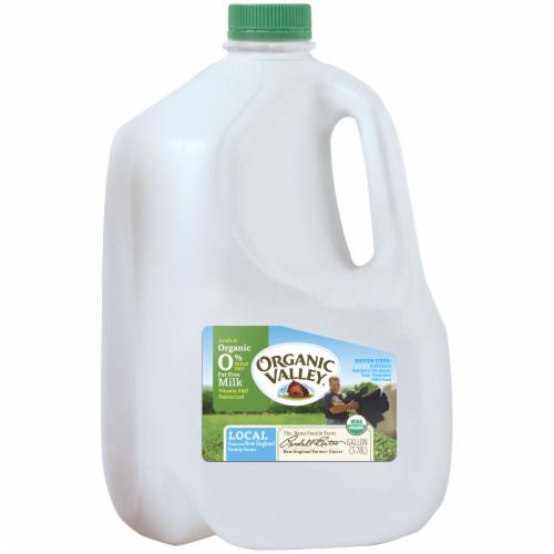 Organic Valley Fat Free Skim Milk Perspective: front