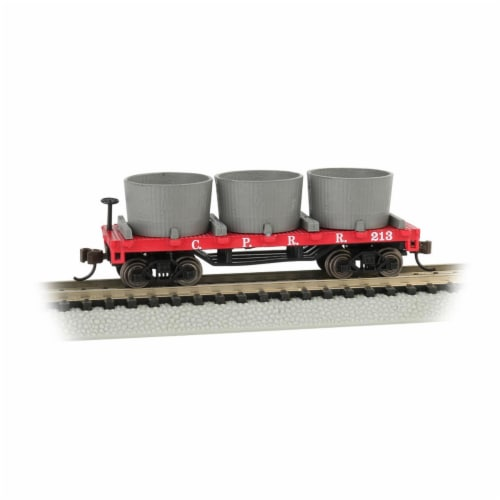 Bachmann BAC15552 Central Pacific Water Gondola Old-Time Wood Tank Train Car with 3 Tanks Perspective: front