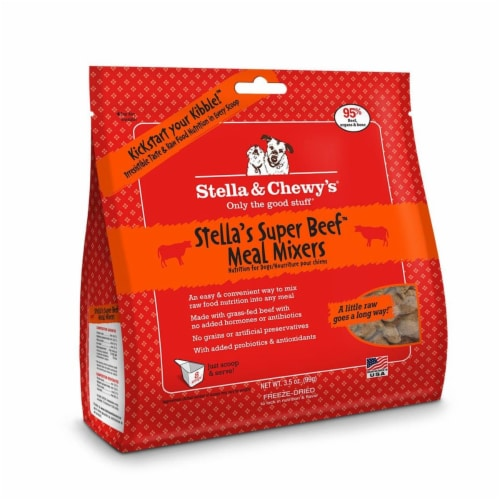 PF 84000029 3.5 oz Stella & Chewys Freeze Dried Super Beef Meal Mixer - 8 per Case Perspective: front