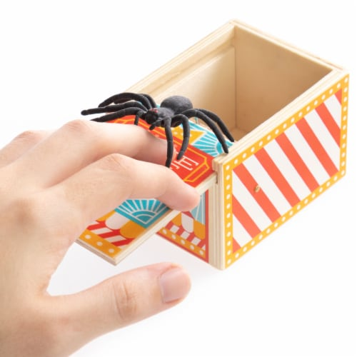 Spider Prank Box, Carnival Perspective: front