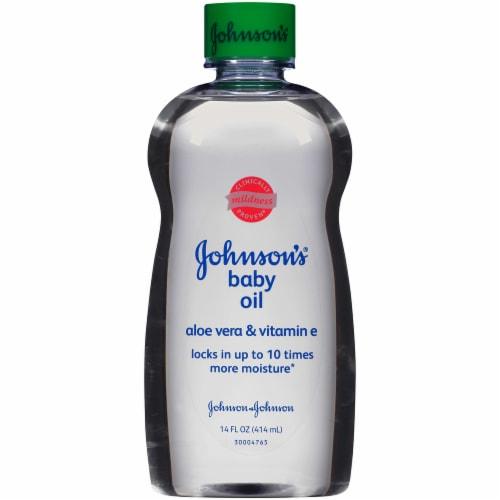 Johnson's Baby Oil with Aloe Vera & Vitamin E Perspective: front