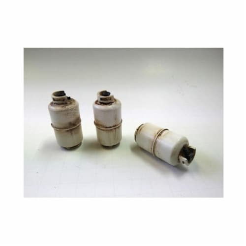 American Diorama 23988 Propane Tank Accessory 3 Pieces Set for 1-24 Scale Models Perspective: front