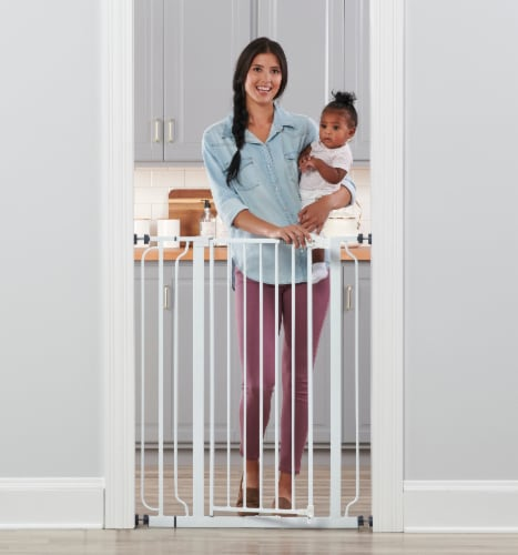 Regalo Easy-Step Extra Tall Baby Safety Gate - White Perspective: front