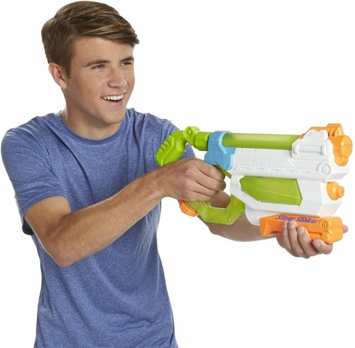 Hasbro Flash Flood Supersoaker Perspective: front