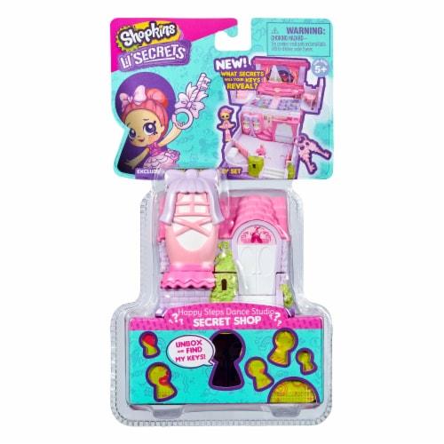 Shopkins Lil Secrets Happy Steps Dance Studio Toy Perspective: front