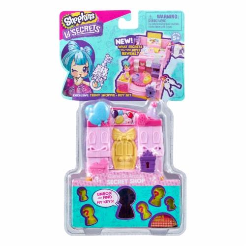 Shopkins Lil' Secrets Cool Scoops Cafe Secret Shop Toy Perspective: front