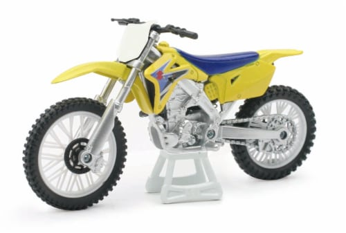 1:18 Scale Die-Cast Motorcycle - Yellow Suzuki RM-Z450 Perspective: front