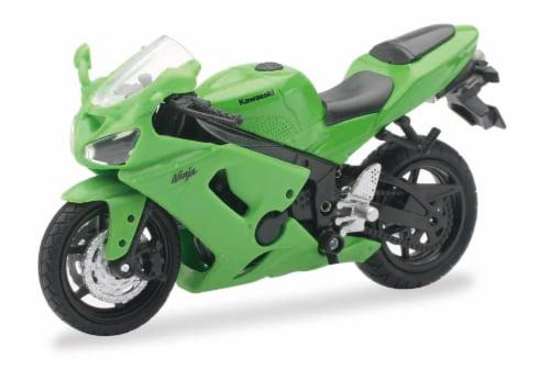 1:18 Scale Die-Cast Motorcycle - Green Kawasaki Ninja ZX-6RR Perspective: front