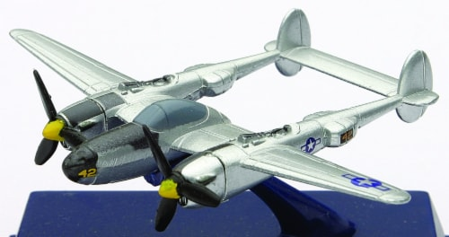 Die-Cast WWII Fighter Plane, P-38 Lightning 1:200 Scale Perspective: front