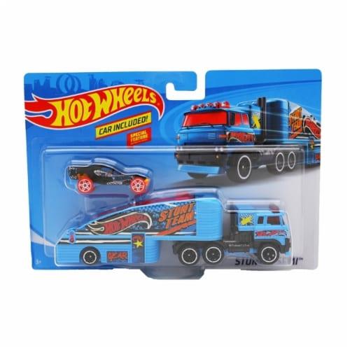 Hot Wheels Super Rig, Stuntin' Semi Perspective: front