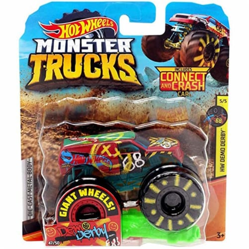 Hot Wheels Monster Trucks 1:64 Scale Demo Derby, Includes Crushable Car Perspective: front