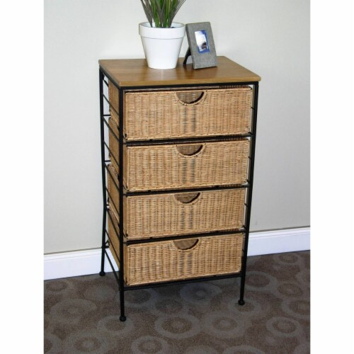 4 Drawer wicker Perspective: front
