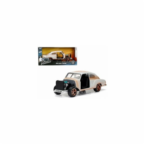 Doms Chevrolet Fleetline Fast & Furious F8 Movie 1 by 24 Diecast Model Car Perspective: front