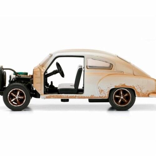 Doms Chevrolet Fleetline F8 Model Car Perspective: front
