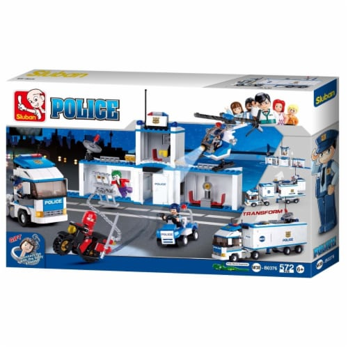 City Police Truck Station Building Brick Kit (572 Pcs) Perspective: front