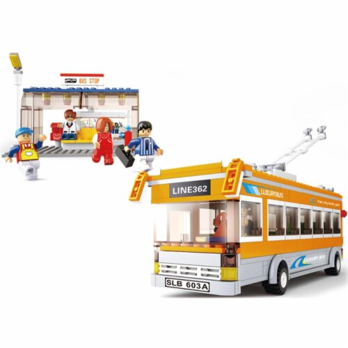 Trolley Bus Building Brick Kit (465PCS) Perspective: front