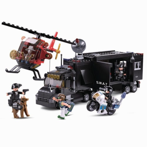 Police Command Vehicle Truck Building Brick Set (540 Pcs) Perspective: front