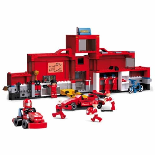 F1 Racing Car Station (557 PCS) Perspective: front
