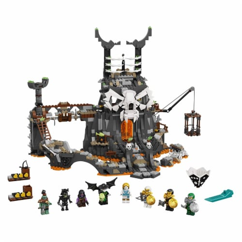 LEGO 71722 NINJAGO Skull Sorcerers Dungeons Playset and Board Game (1171 Pieces) Perspective: front