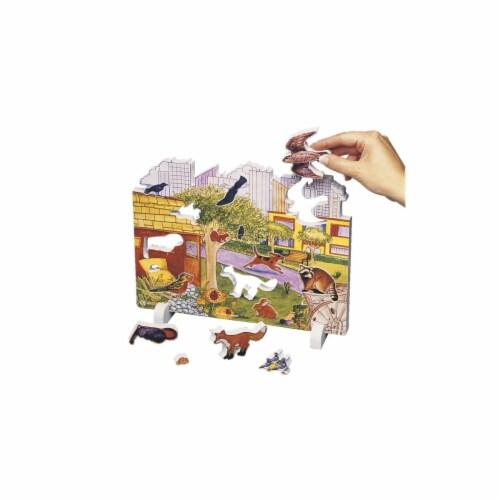 Book Plus 131-5678 Urban Habitat Model Perspective: front
