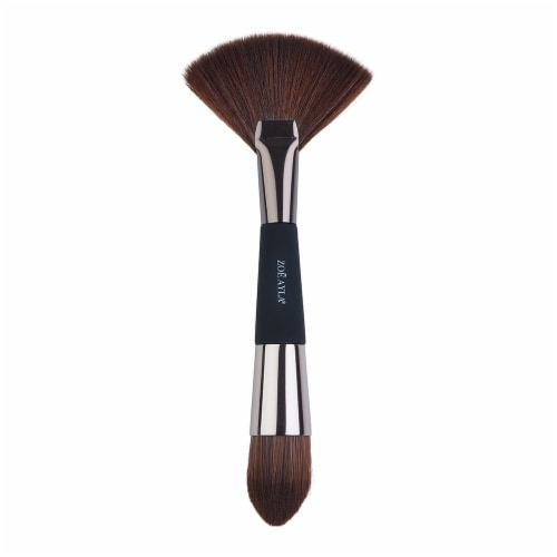 Zoe Ayla Highlight & Contour Brush Perspective: front