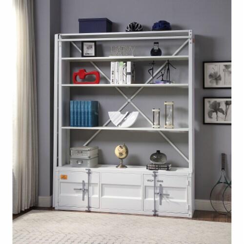 Ergode Bookshelf & Ladder White Perspective: front