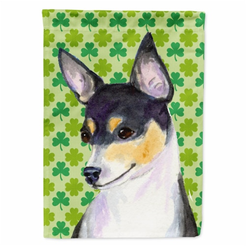 Carolines Treasures  SS4449-FLAG-PARENT Chihuahua St. Patrick's Day Shamrock Por Perspective: front