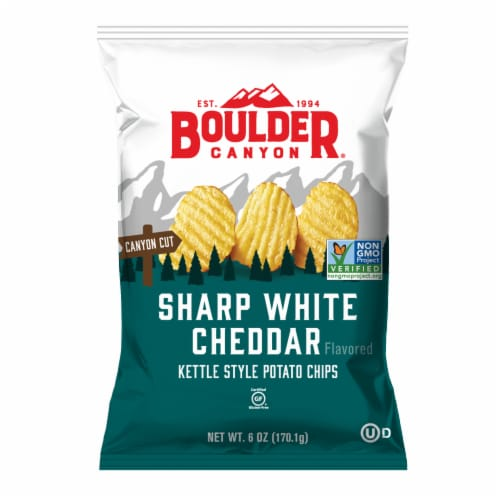 Boulder Canyon Sharp White Cheddar Kettle Chip Perspective: front