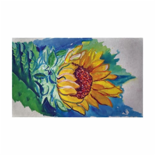 Betsy Drake DM544G 30 x 50 in. Windy Sunflower Door Mat Perspective: front