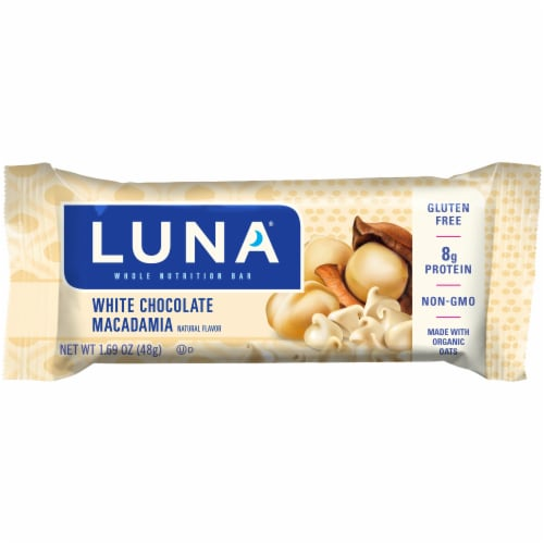 Luna White Chocolate Macadamia Nutrition Bar Perspective: front